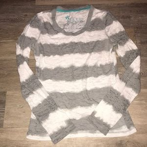 Tops - Inollie long sleeve top. Size Medium.